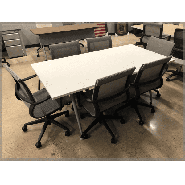 Luna Table with Mesh