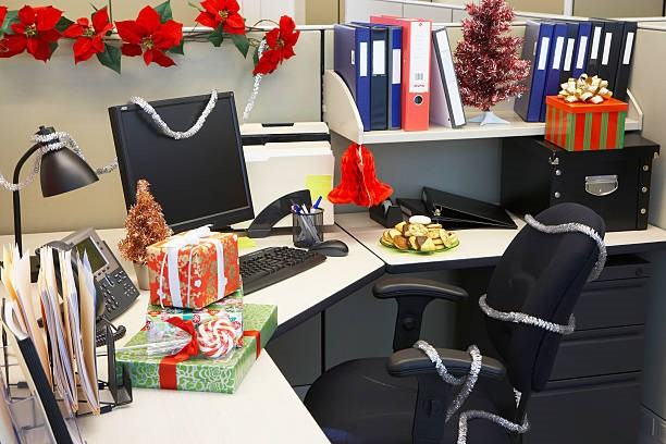 Decorate your workspace at Christmas